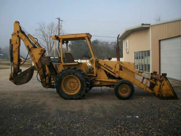 555 Ford Backhoe Seats : Ford