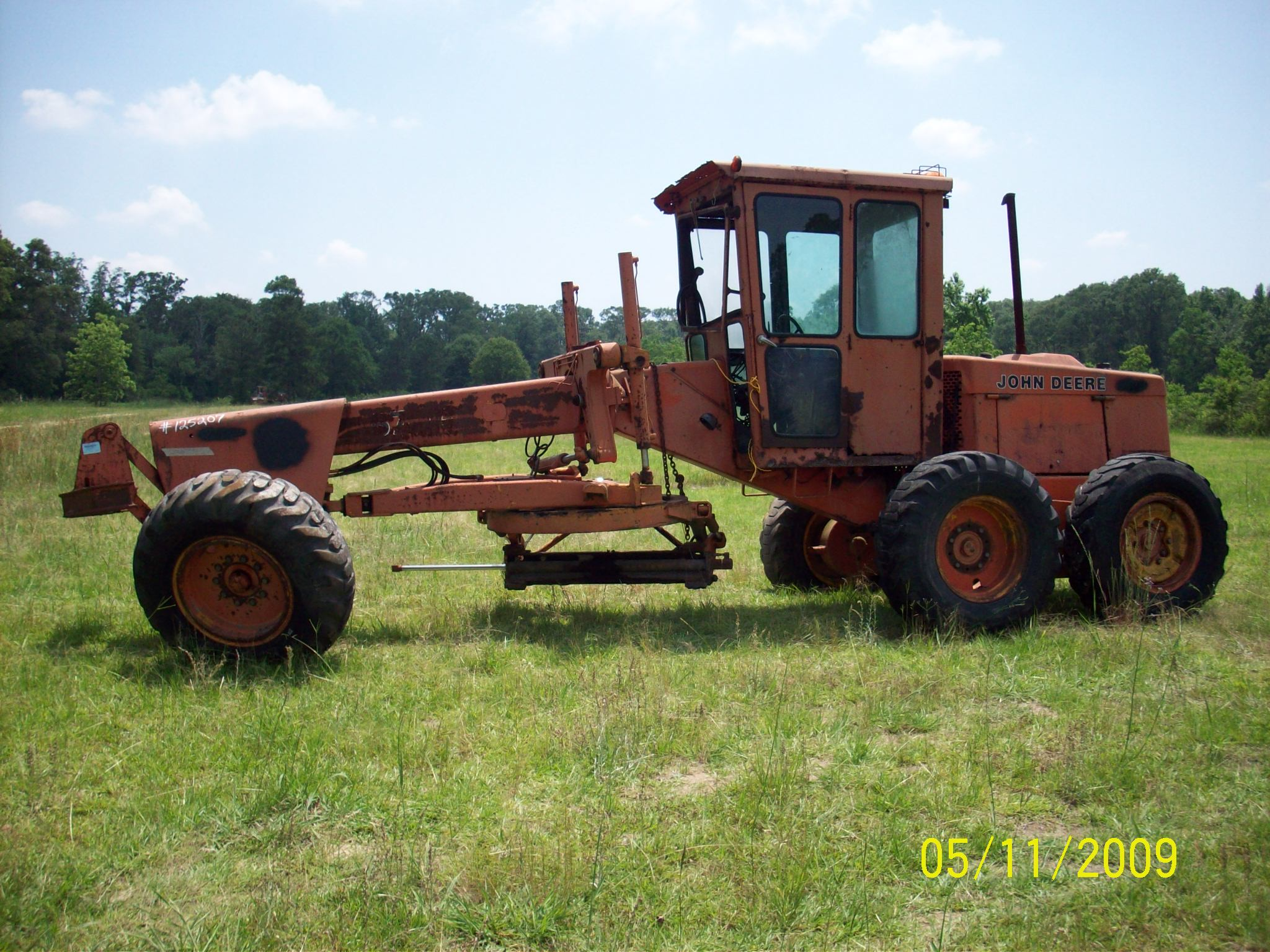 johndeeremotorgrader004.jpg